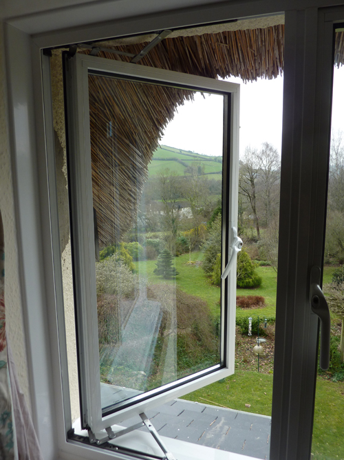 Powder Coated Windows : Aluminium windows